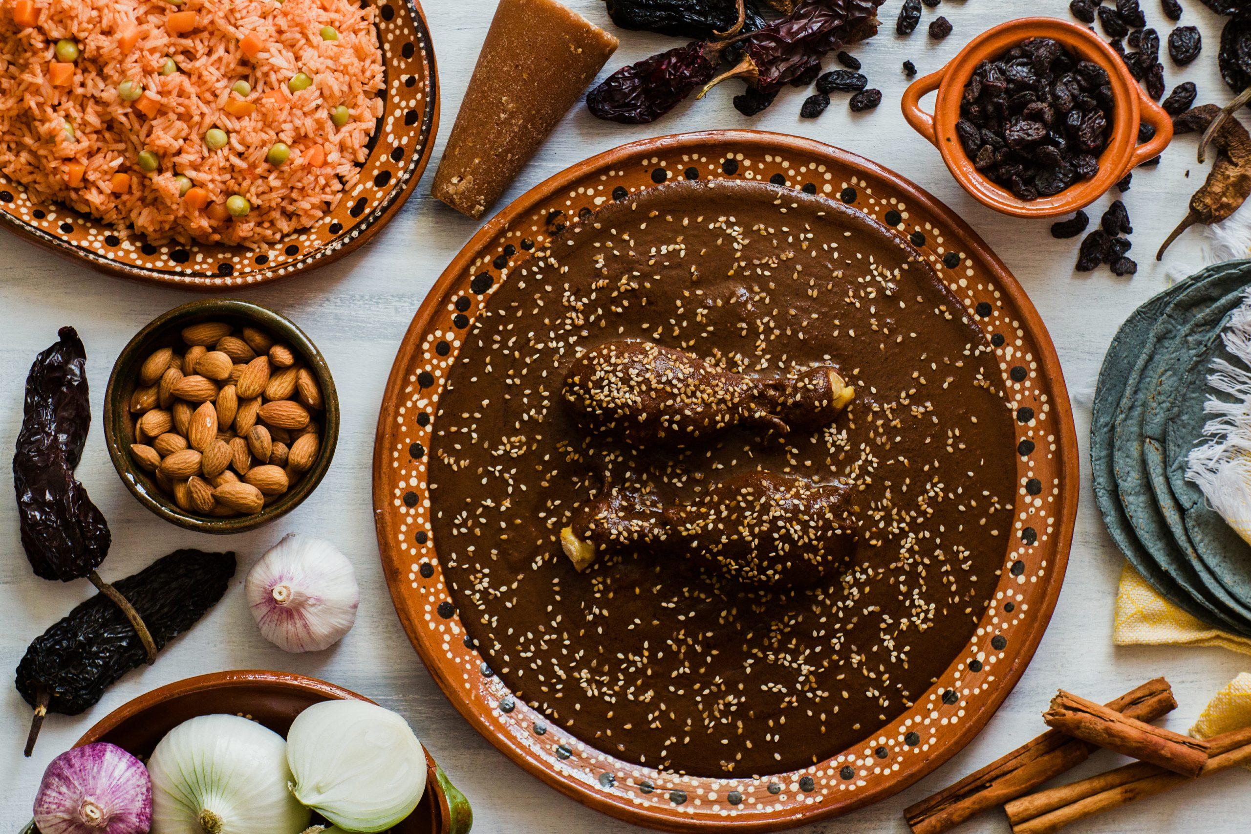 Conoce el origen y los tipos de mole | Rincones de México