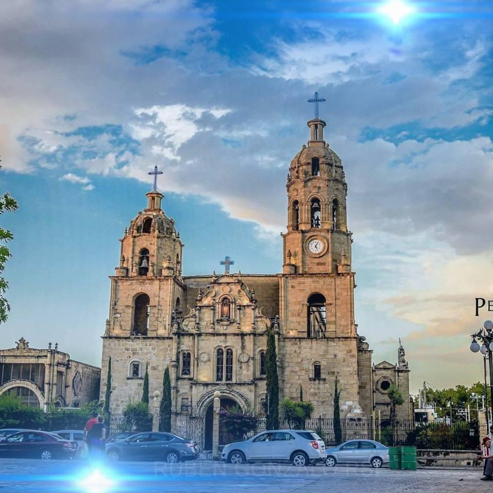 Parroquia Santa Rosa de Lima en Múzquiz.